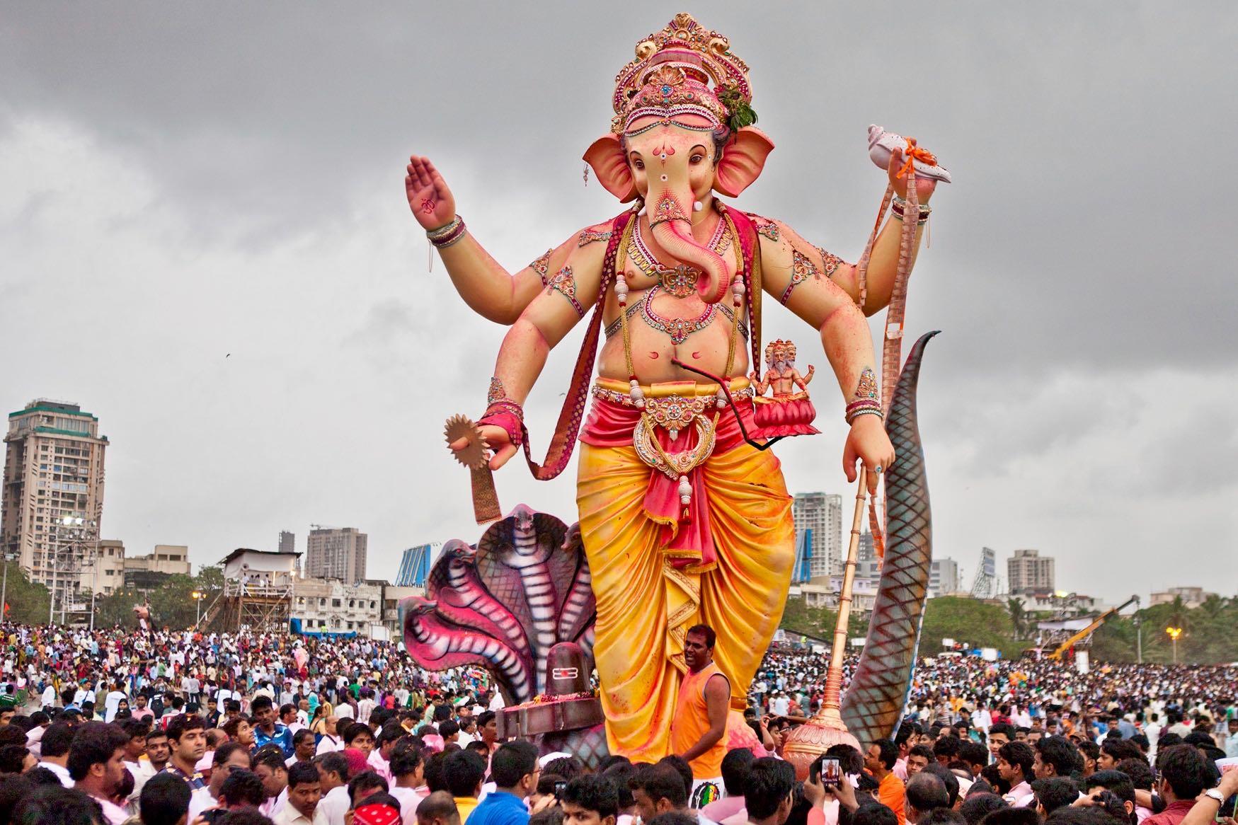 Devotees-gather-at-the-Girgaum-chowpatty-in-Mumbai-for-visarjan-of-their-favourite-deity-Lord-Ganesh.-Photo-Flickr_sandeepachetan