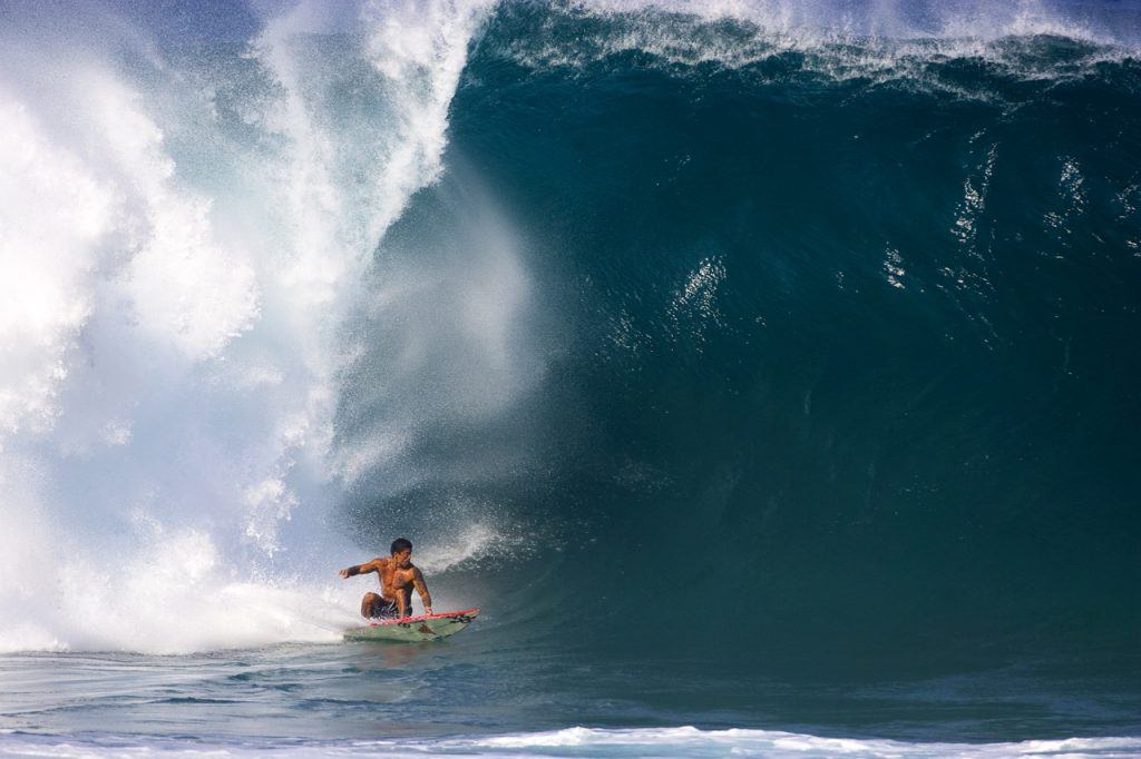 Pipeline Masters large winter swells in December and January