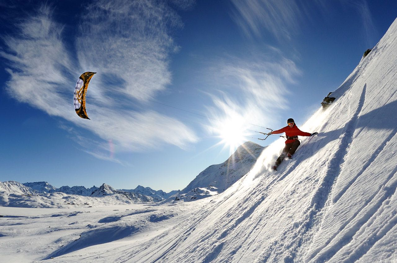 Snow Kiting winter extreme sports