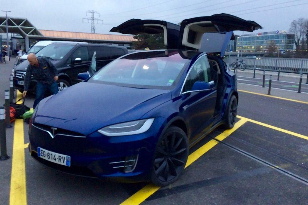 Airport pick up to La Plagne in 2017 Tesla Model X