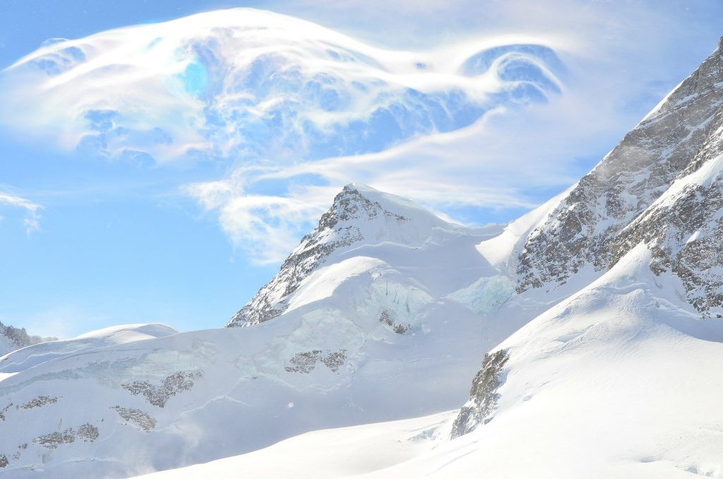 Swiss Alps are some of the most amazing mountans in the world, Swtizerland