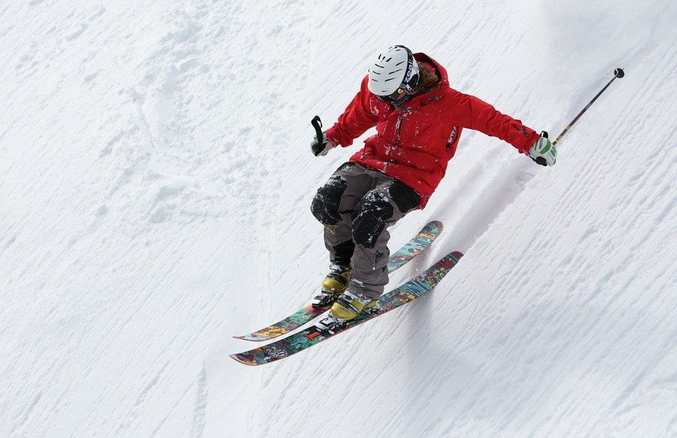 Freestyle skiier taking on epic downhill Ski Challenges To Test You To The Limit!