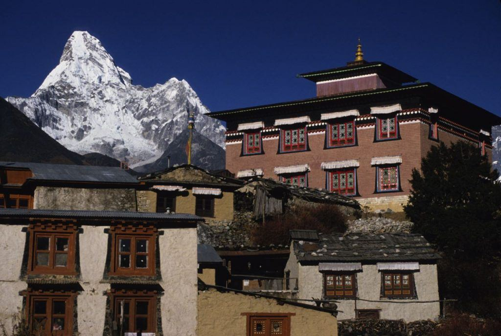 The village of Tengboche, Khumjung is an essetnial stop on the way to Everest base Camp