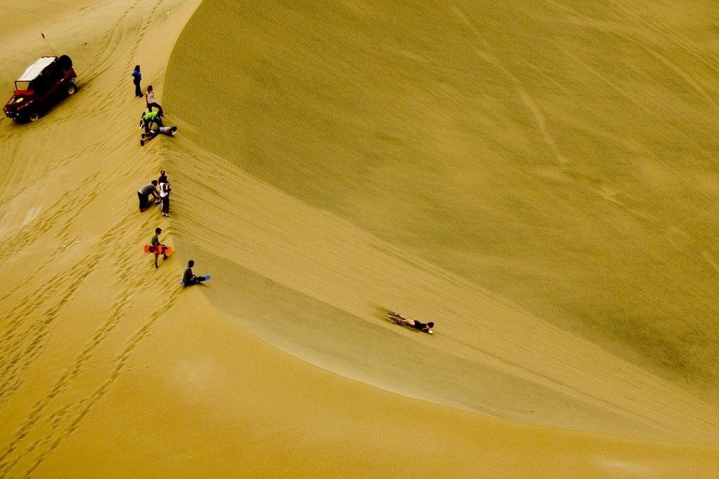 Sandboarding Huacachina, Peru