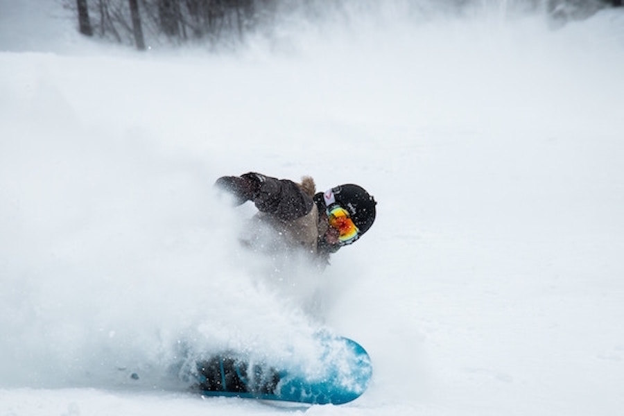 riding powder on your snow holidays