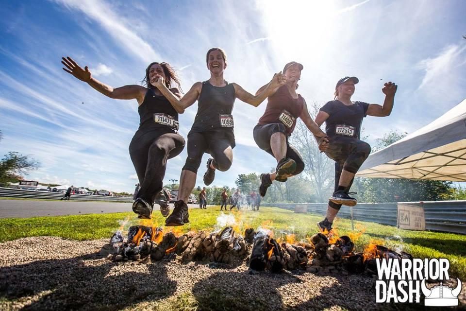 Warrior Dash photos - fire jumping