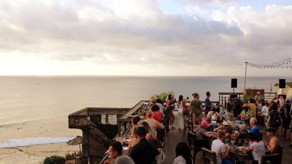 Singlefin bar at uluwatu, bukit peninsula