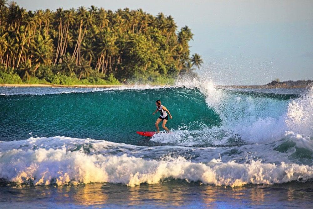 sumatra by motorbike to go surfing