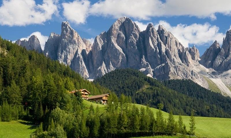 hiking in Italy, Braies Lake, Dolomites