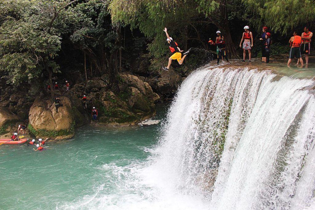 waterfall jumping Minas Viejas