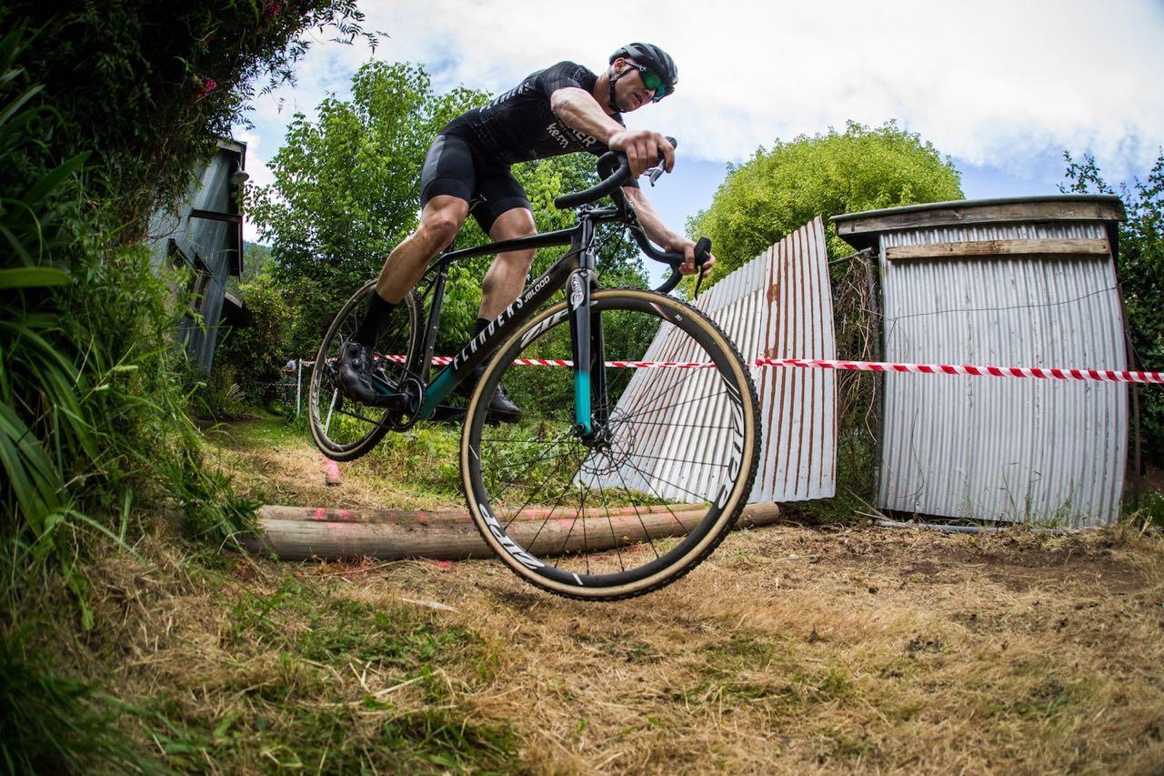 Cyclist at Giro della Donna