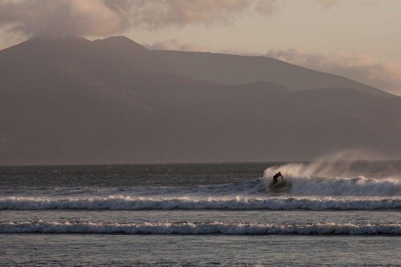 Surfing Ireland: The 8 Best Beginner Friendly Surf Spots