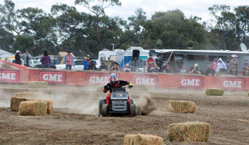 Racing at Deni Ute Muster