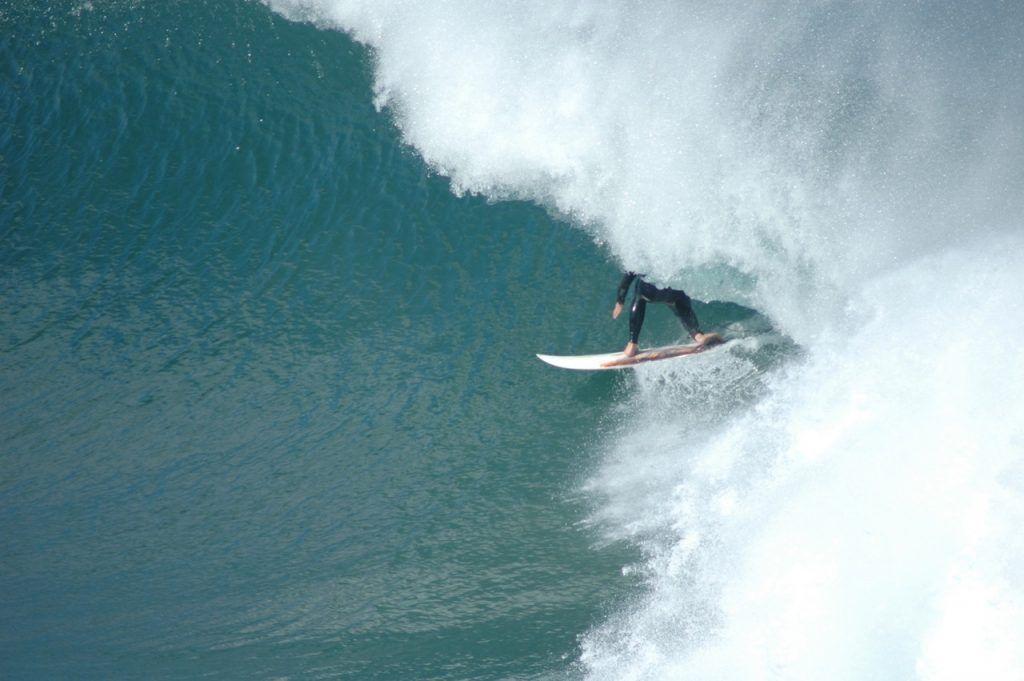 Bells Beach Surf barrel ride at winkipop