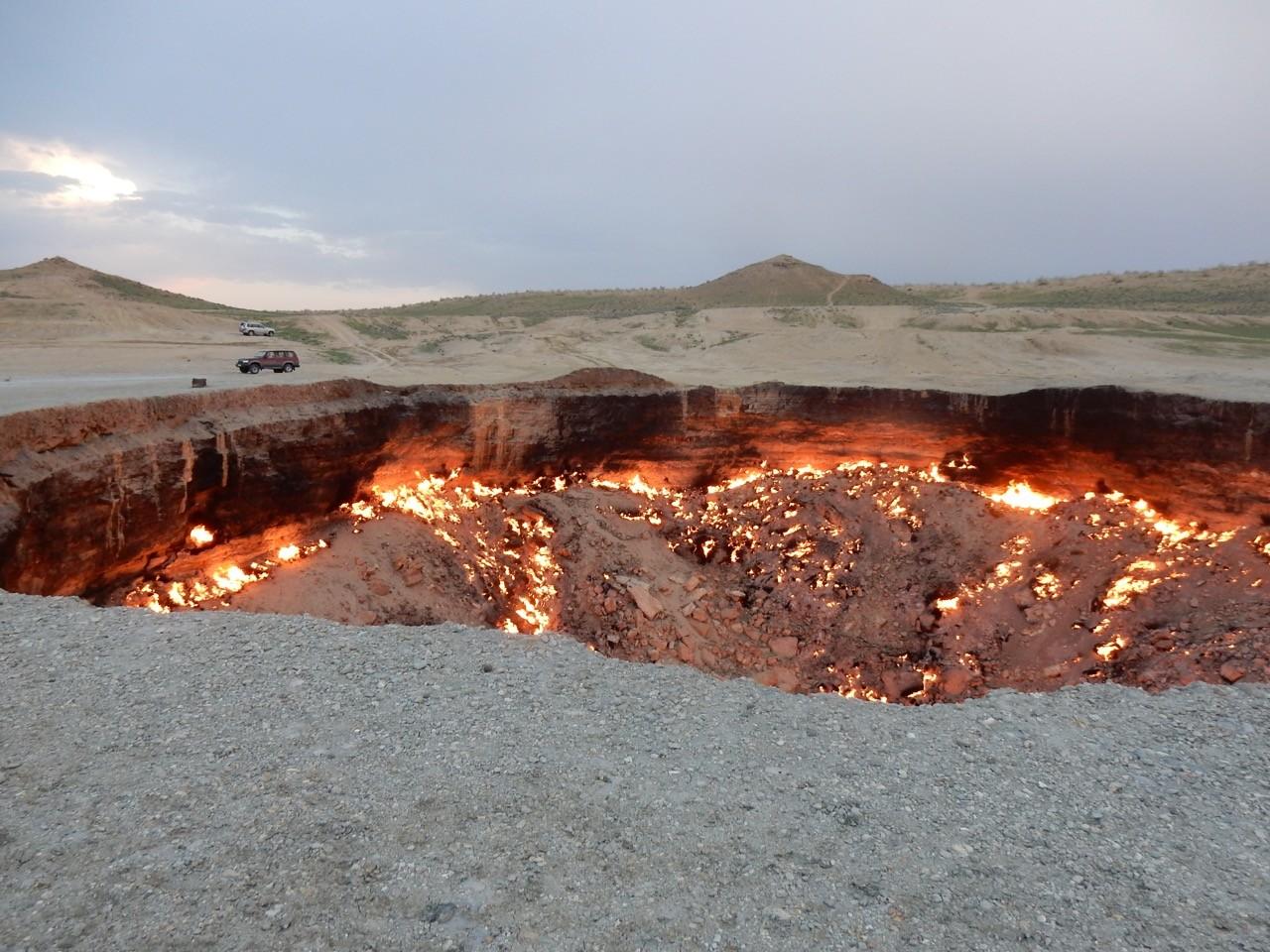 Darvaza Gas Crater: The Door to Hell In Turkmenistan - Rad Season