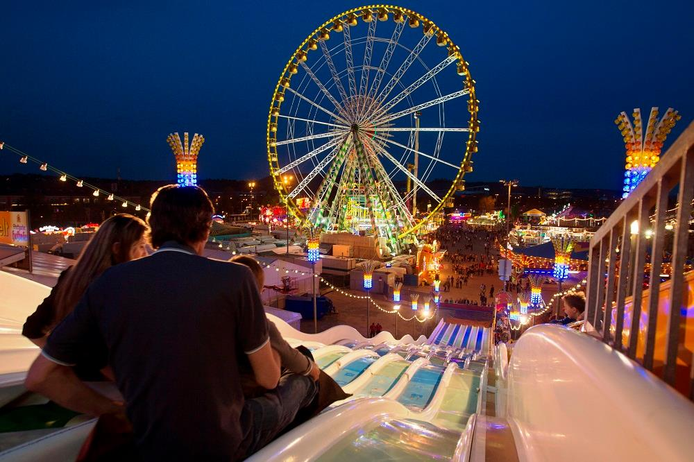 Family fun at Fruehlingsfest in Stuttgart
