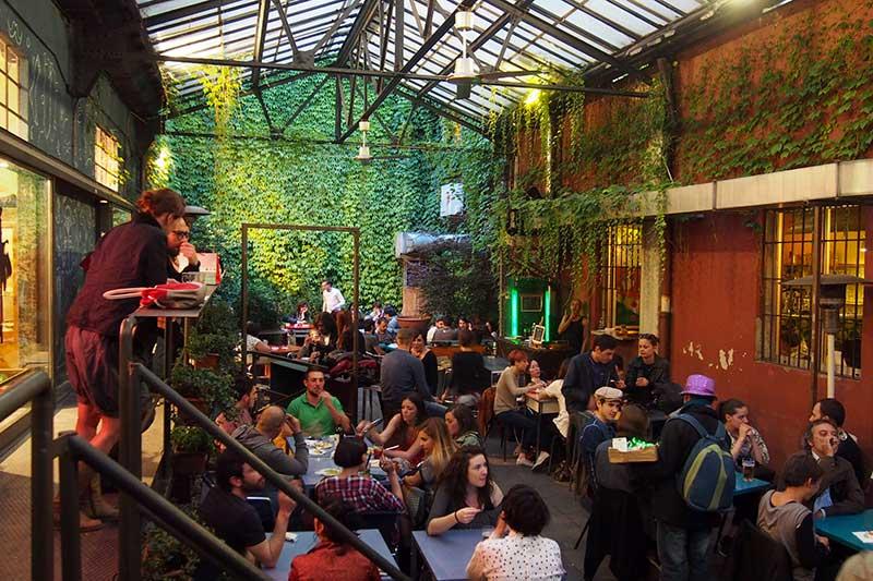 Circolo dei combattenti e reduci, bars in milan