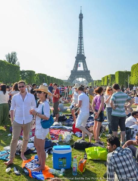 Crowds at the national holiday in Paris