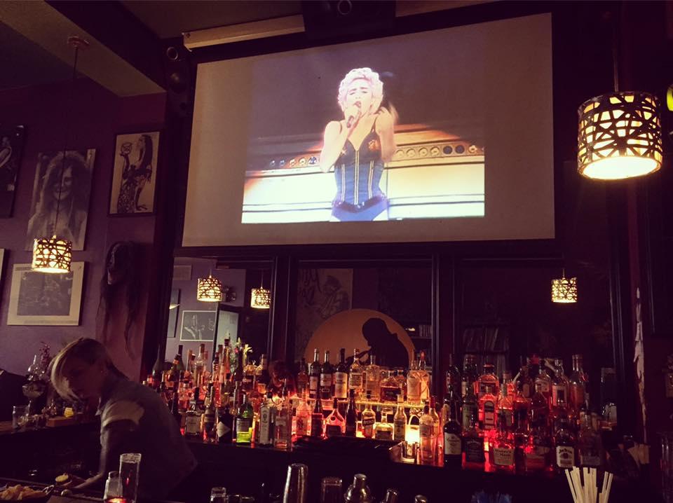 Snack N' Blues Bars in Montreal