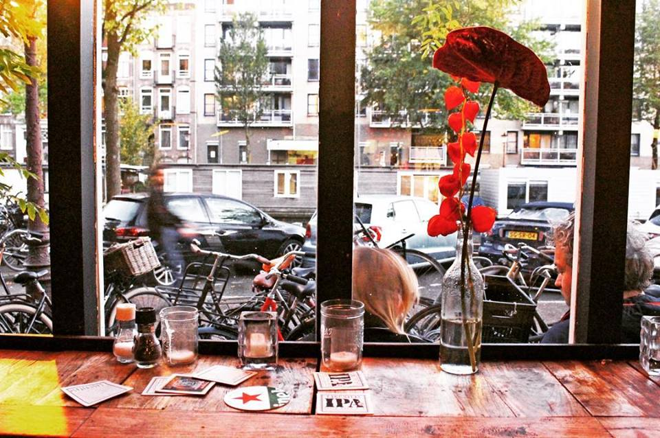 Local guide to the Best Bars in Amsterdam
