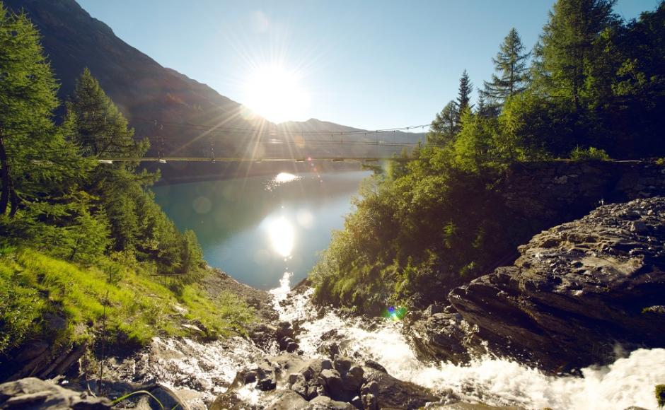Hiking Trail Lac De Tseuzier Switzerland