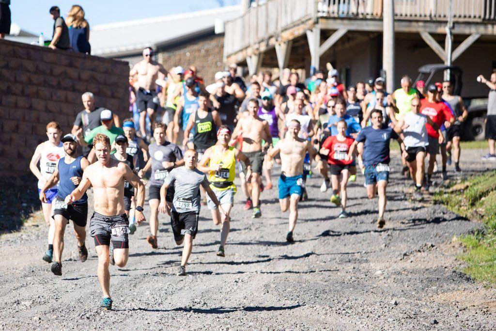 runners at Ironhorse 8k Rave
