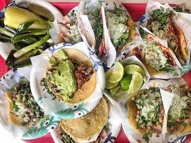 Tacos El Gordo, tacos Mexican style
