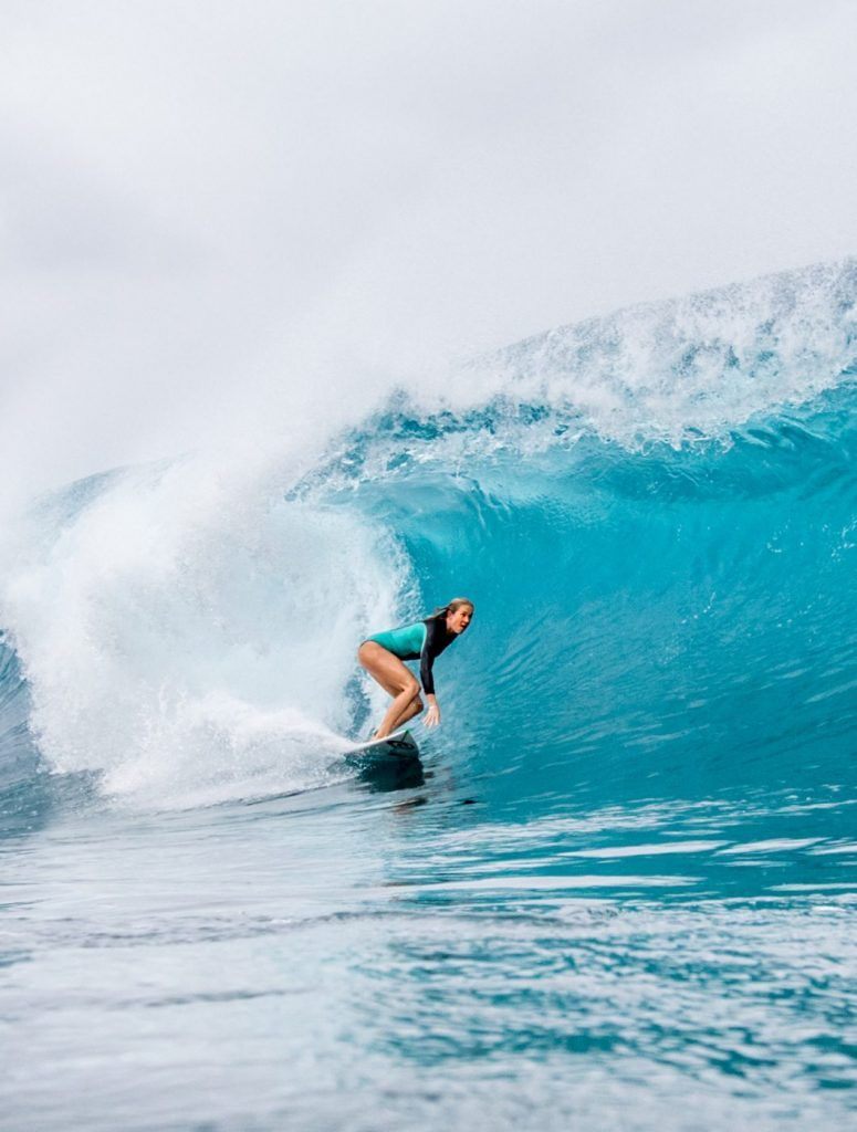 Bethany Hamilton about to get barrelled