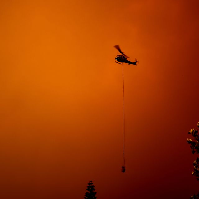 Helicopter rescue in Australian fires