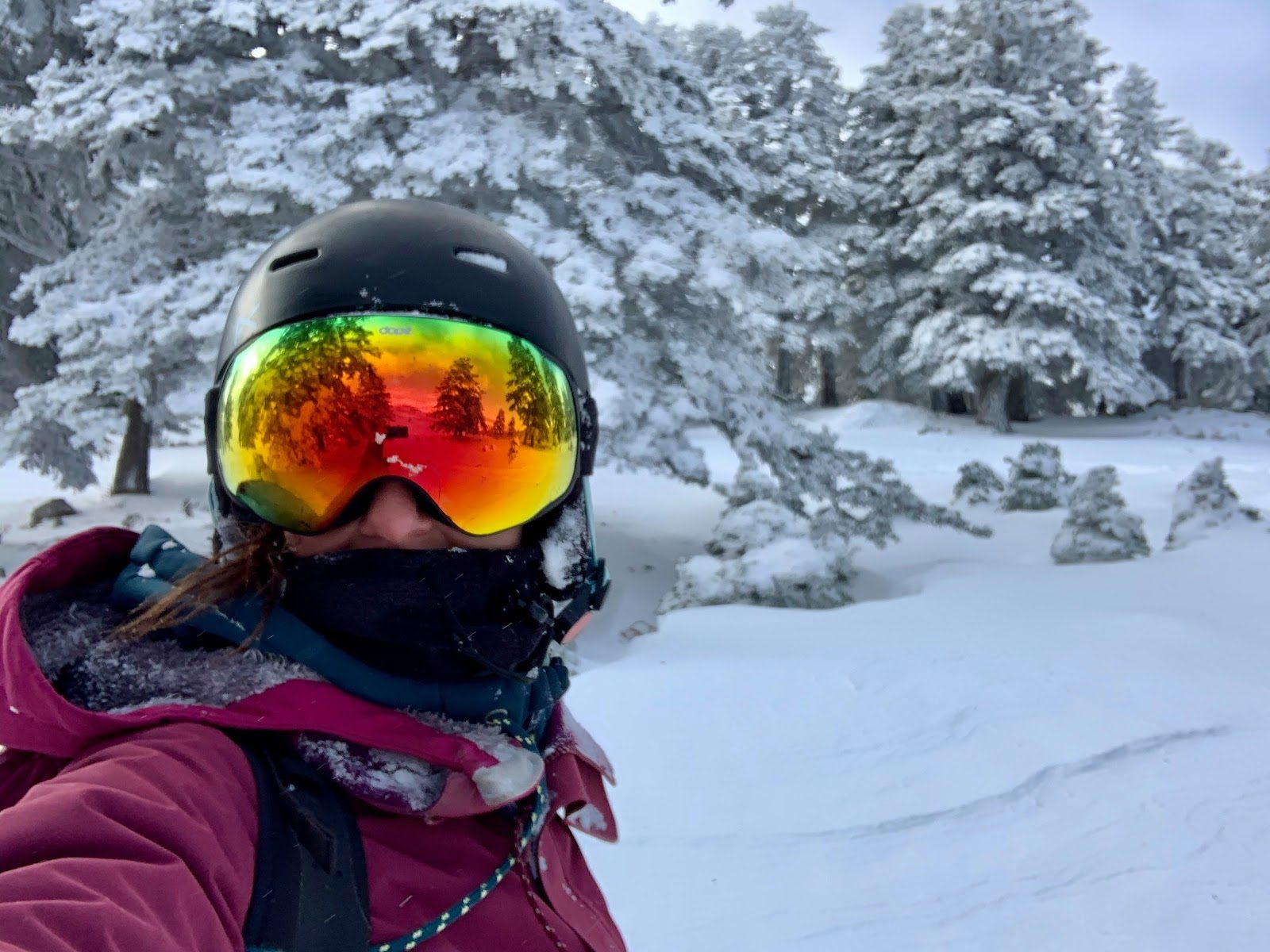 Martina Russo snowboarding in Greece