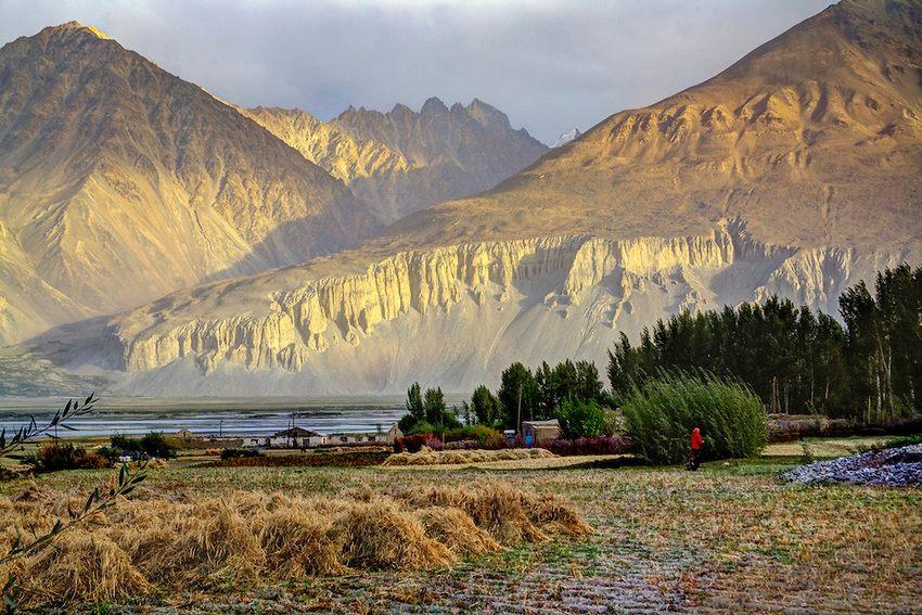 one of the highest passes in the world on the Karakoram Highway