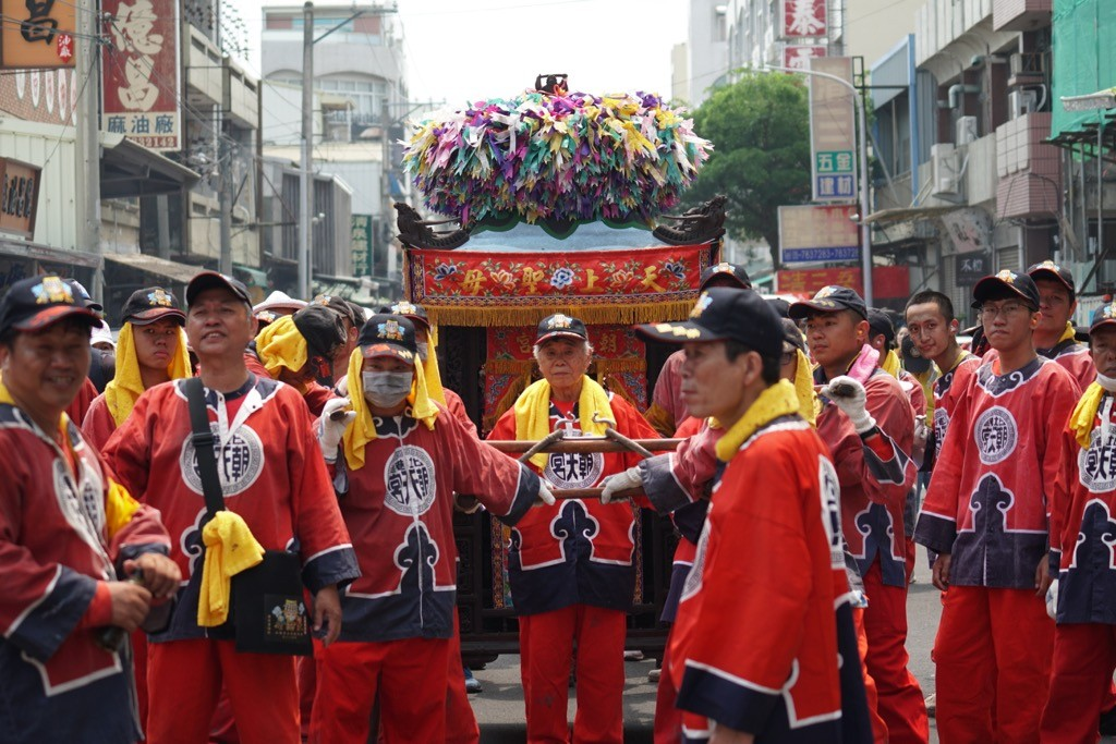Floats with goodies at the festival in Taiwan