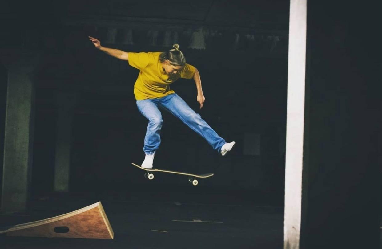 Lucy Adams Pro Skateboarder