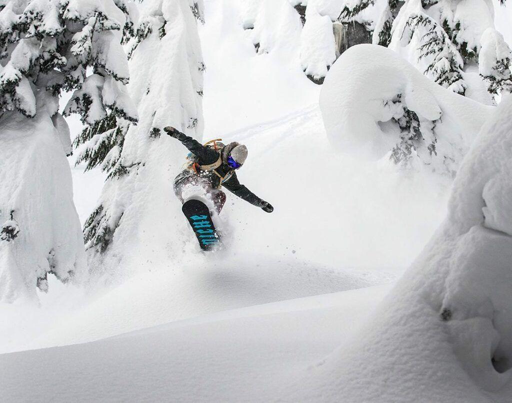 Erika Vikander snowboarding